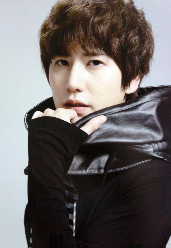 http://kpopkollective.files.wordpress.com/2011/08/kyuhyun.jpg