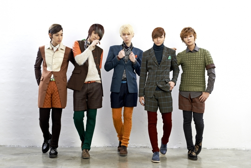 LEDApple, KPOPIANA, http://kpoparchives.omeka.net/items/show/1138